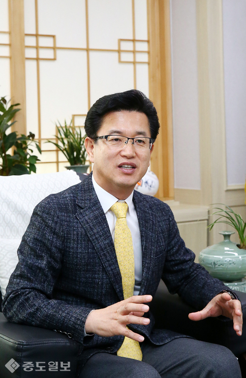 허태정 유성구청장 초청 신천식의 이슈토론 4월6일 방송안내