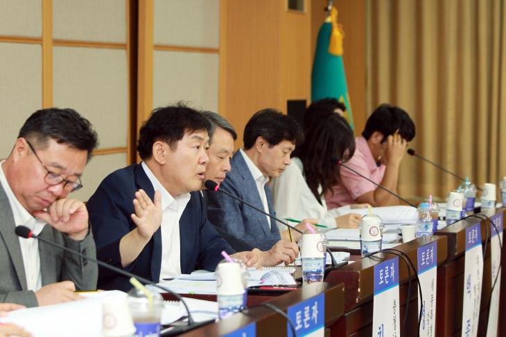 감사위원회 도입, 독립성과 전문성 보장이 관건 (2)