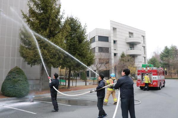 [사진자료3] 화재 진압 훈련
