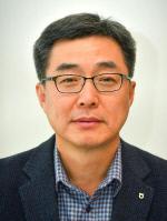 전용석본부장님증명사진