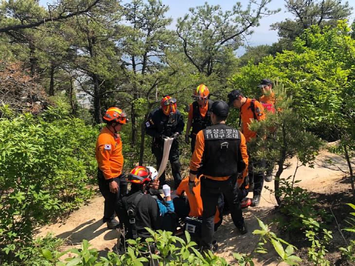 홍성소방서 구조대 산악구조활동 사진