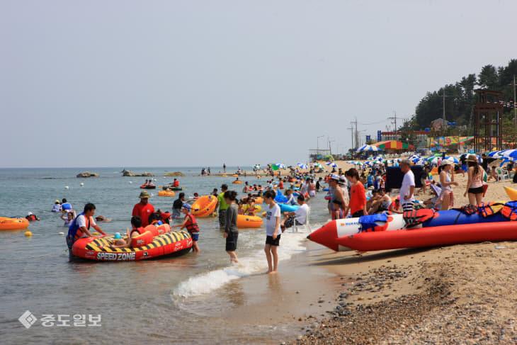이번 여름, 숨 쉬는 땅 여유의 바다 울진군 해수욕장에서3