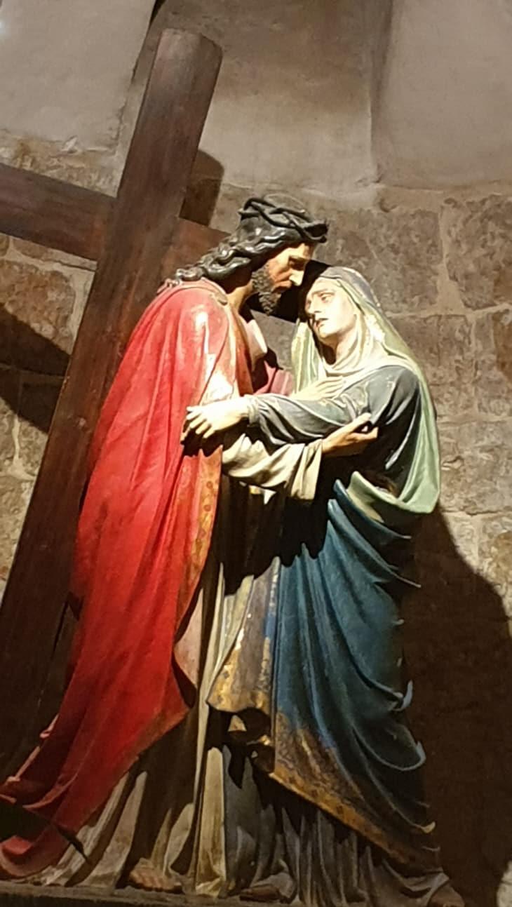 성모와 예수상