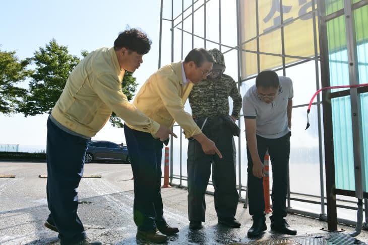 19일(이용록부군수 ASF 방역현장 점검 3)