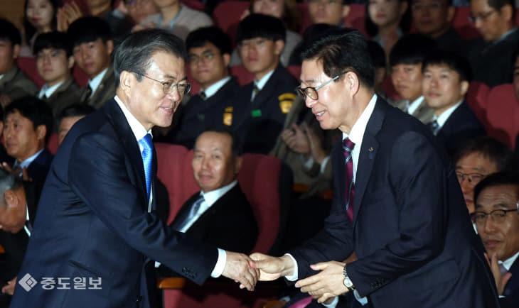 20191010-대통령 아산 방문3