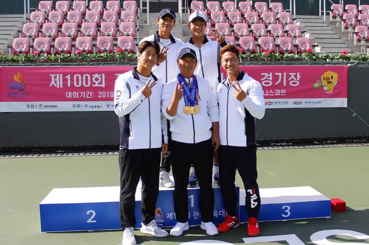 사본 -전국체전 우승 기념 단체사진  (1)