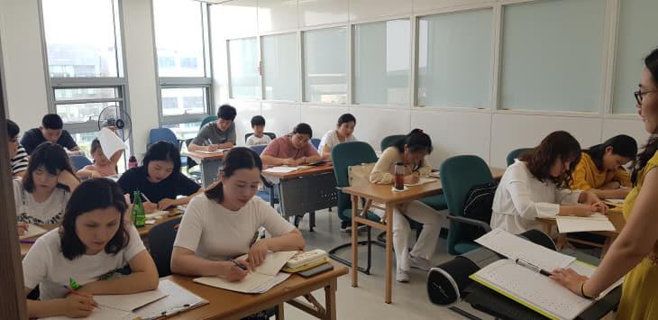 사본 -외국인근로자 맞춤형 한국어교육 사진