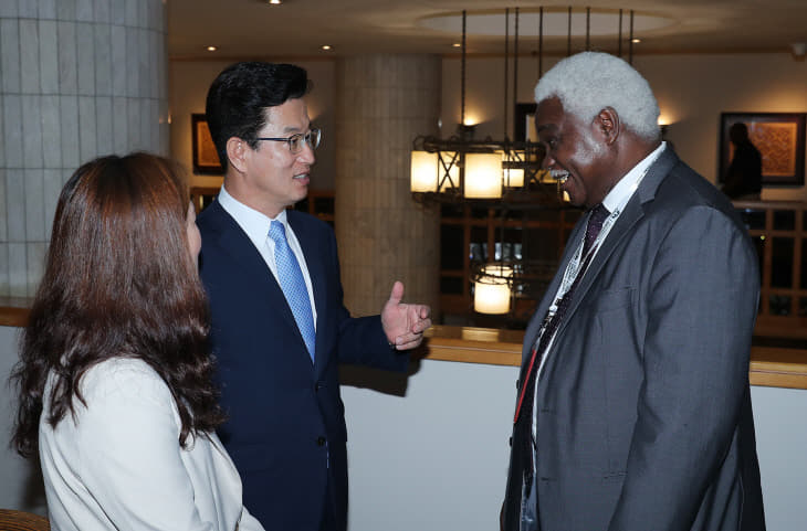 장피에르 을롱 엠바시 UCLG아프리카 사무총장 (2)