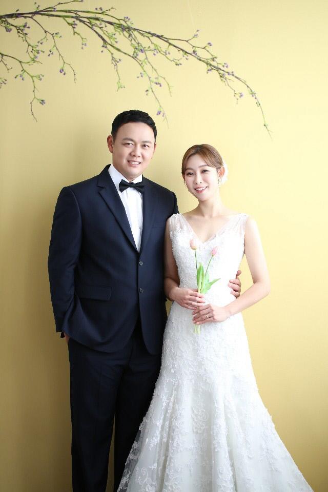 한화, 투수 송창식 선수 결혼 이미지