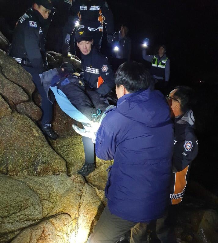 서천소방서, 갯바위 고립자 경찰과 협업 구조
