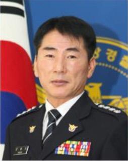 문흥식_경찰서장(사진)