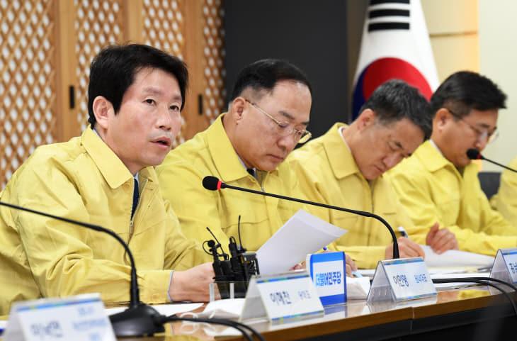 코로나19 대응 당정청 발언하는 이인영<YONHAP NO-2260>
