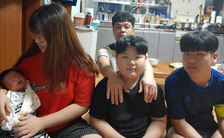 사진4) 다둥이가족 사진