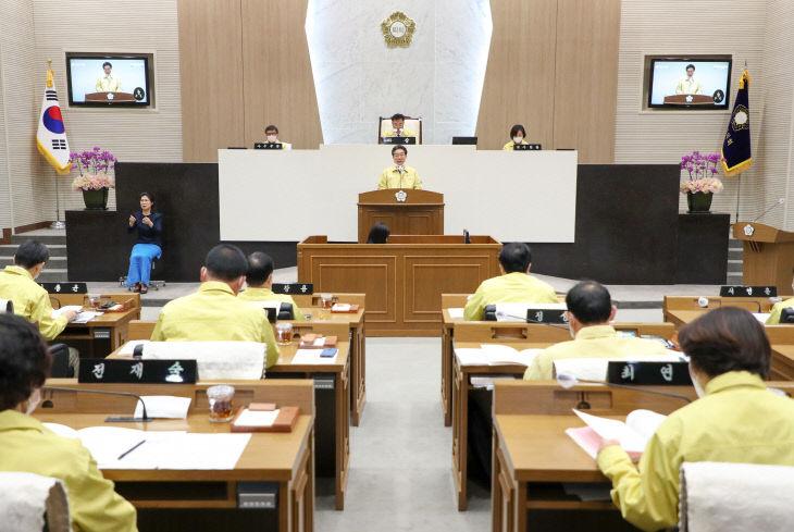 사본 -시의회에서 김홍장시장 인사말씀 장면1 (1)