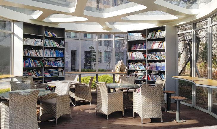 관저더샵1차-야외도서관