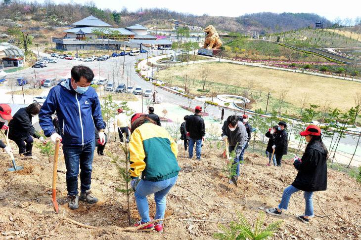 200408_제75회 나무심기 행사_산림축산과(5)
