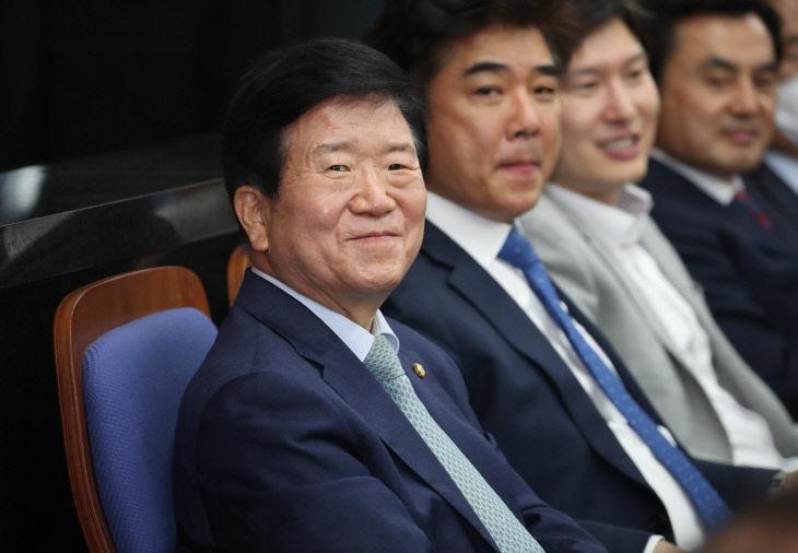 미소 짓는 박병석<YONHAP NO-3532>