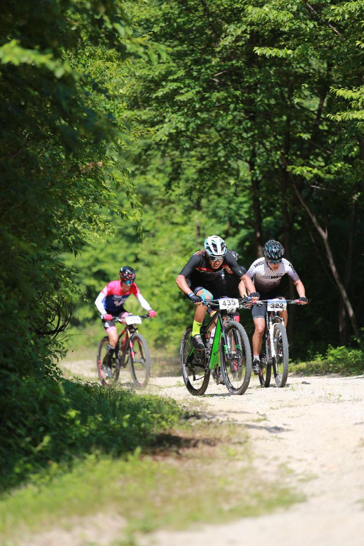 사진2_산림레포츠 산악자전거