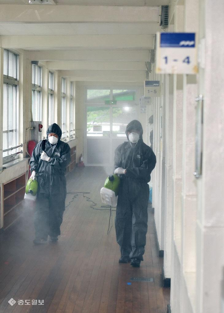 등교 수업 후 대전에서 첫 학생 코로나19 확진자 발생…'추가 감염 막자'