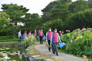 2. 박정현 부여군수 궁남지 환경정비 장면 (1)