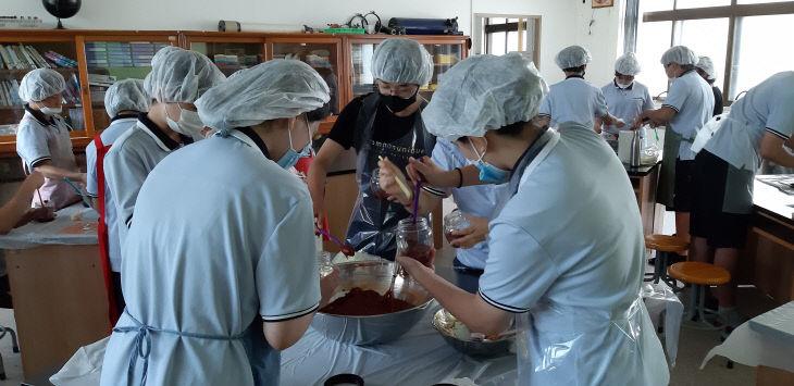 임성중학교 직업인 멘토의 날 실시(고추장 체험)