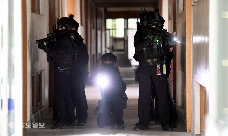 경찰특공대의 '인질 구출작전'