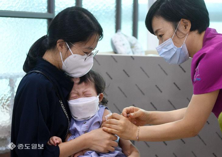 독감과 코로나19 동시유행 대비 국가예방접종 시작