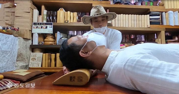 '잠이 보약이다' 체형에 맞는 목침(木枕)으로 건강을 챙긴다