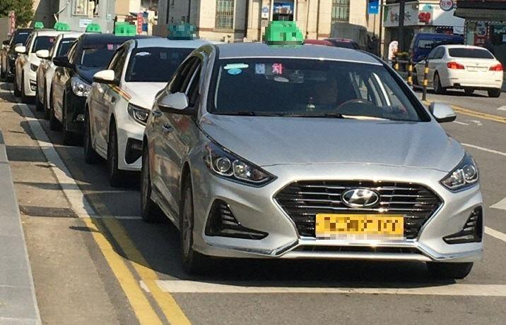 보도자료03_관내에서 운행하는 택시들