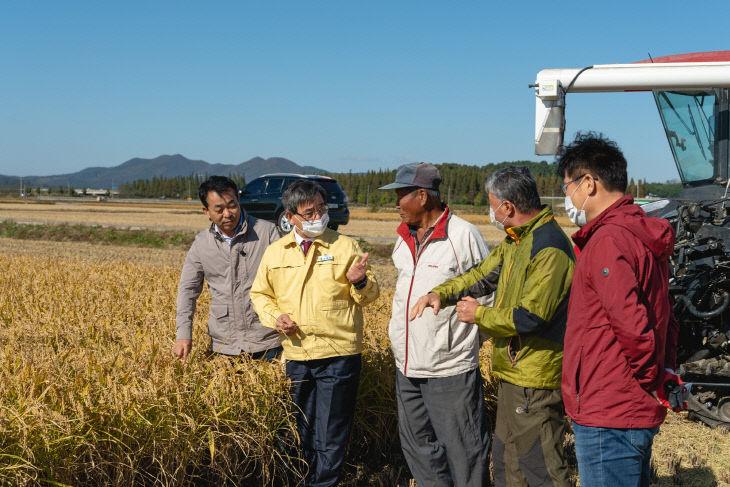노박래 서천군수, 서래야쌀 재배단지 현장방문