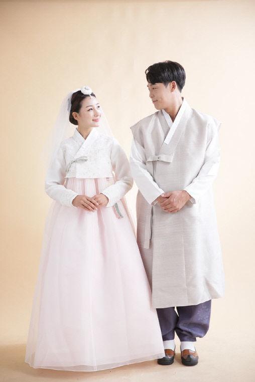첨부. 한화이글스 김민하 선수 결혼 사진