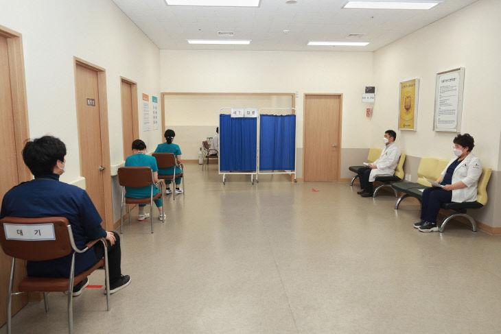 대전시 첫백신 접종  (1)- 성심요양병원